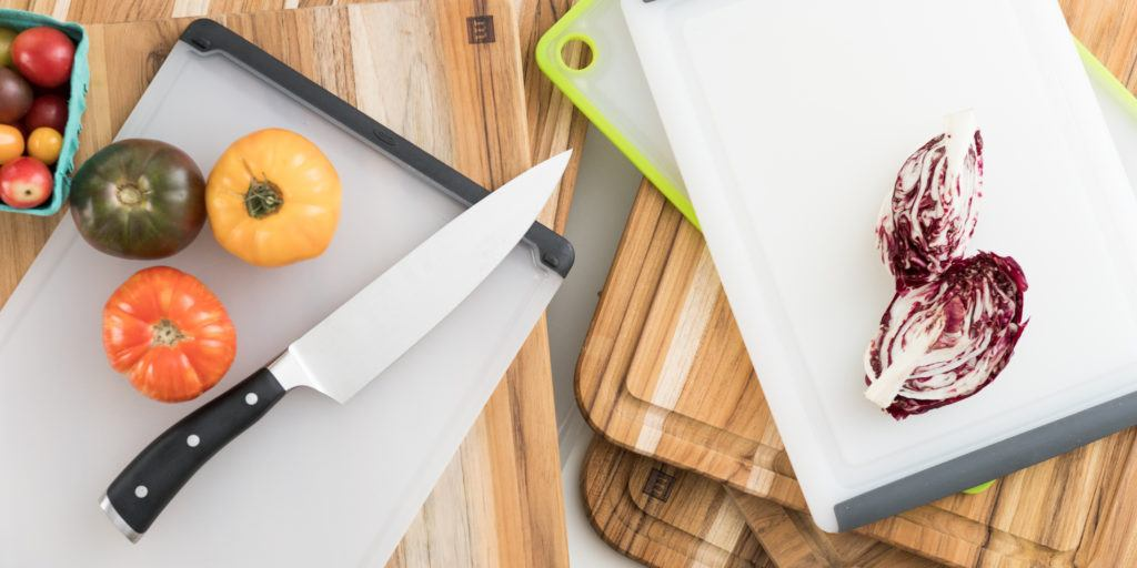 Using A Kitchen Cutting Board